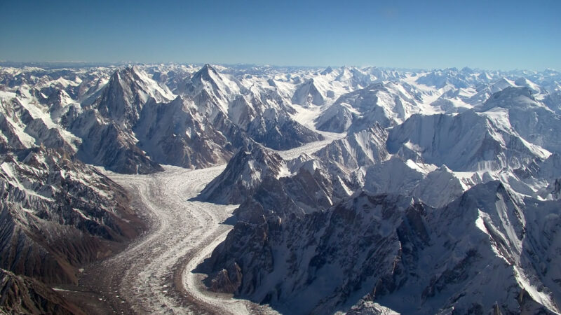 himalayan glaciers melting because of high-altitude dust