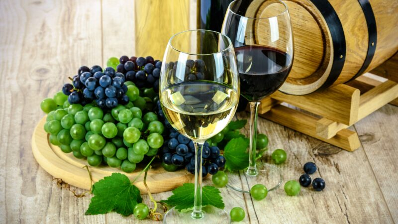 French wine, barrel and grapes