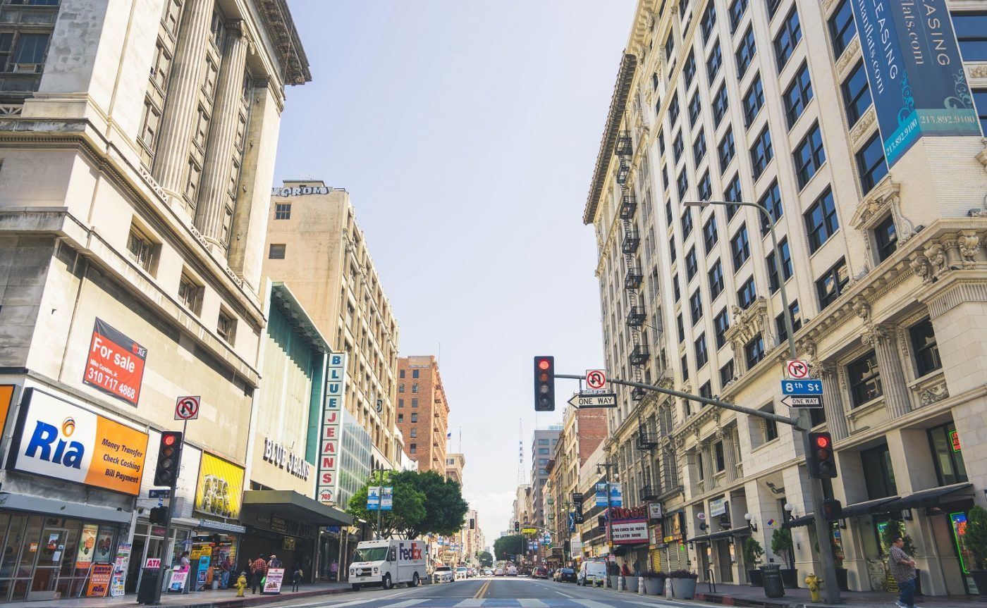 buildings loom large in street-level air quality