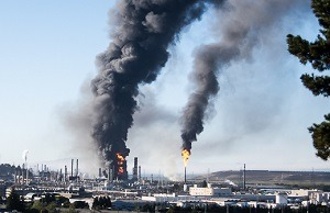 2012 Chevron refinery fire. Photo by Greg Murphy.