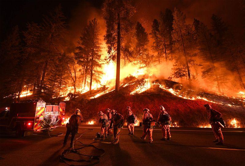 with wildfires blazing, california shuns trump's clean-air plan